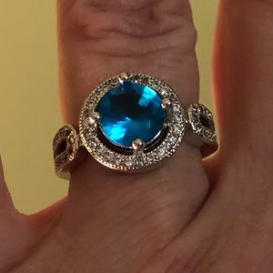 Jewelry - 🆕Vintage style CZ and London blue stone